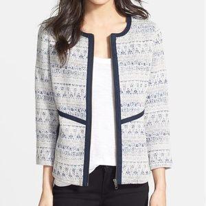 📚 Hinge Textured Jacket